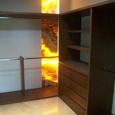 Modern Closet by Make Design