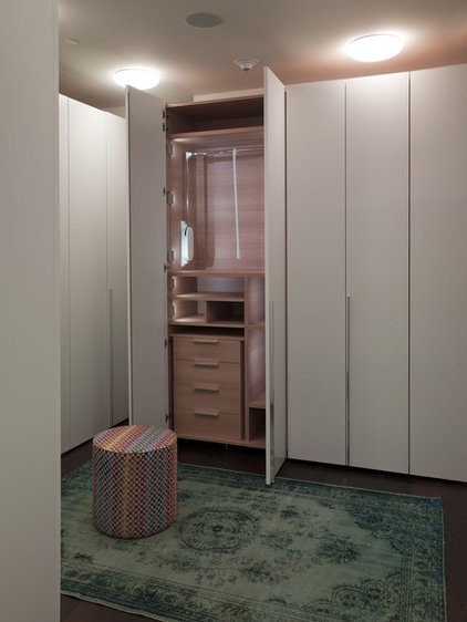 modern closet by Urbanspace Interiors