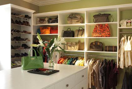 Contemporary Closet by ardel claveria