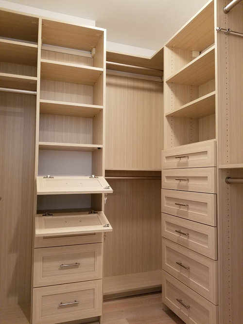 Best Small Closet with Shaker Cabinets Design Ideas & Remodel Pictures | Houzz