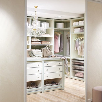 """Walk in closet from """"CABINET"""", Germany"""