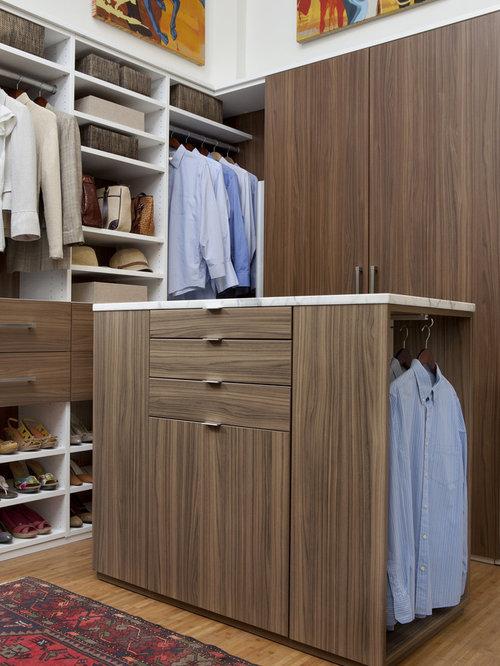 Mid Sized Contemporary Gender Neutral Medium Tone Wood Floor Dressing Room  Idea In New