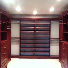 Traditional Closet by Bella Systems
