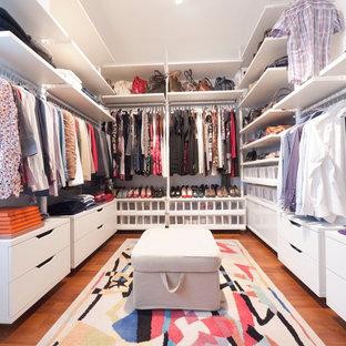 Closet   Mid Sized Modern Closet Idea In Milan