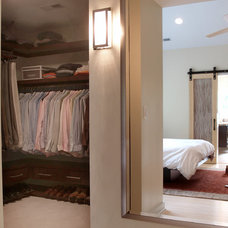 Contemporary Closet by Sophie Piesse Architect, PA