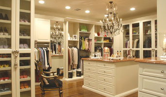 Walk in Closet with Island