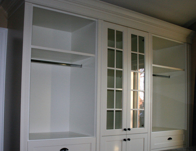 Contemporary Closet by Greenfield Quality Builders Inc.