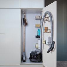 Contemporary Closet by LEICHT HAUS