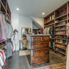Transitional Closet by Vintage South LLC