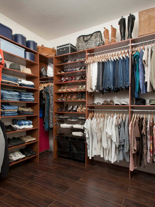 Organizing a walk in closet houzz for Organizing a walk in closet