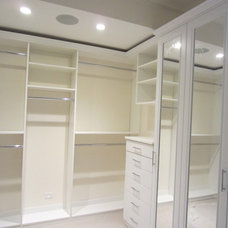 Transitional Closet by KCD Software