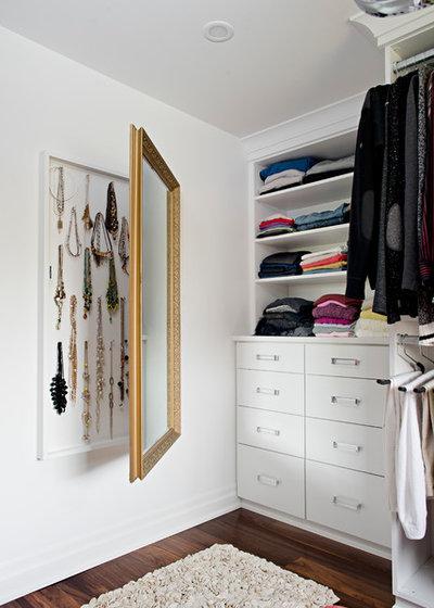 Contemporary Closet by Pizzale Design Inc.