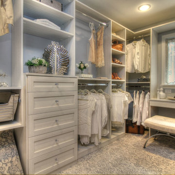 Woodbury Master Bedroom Walk-in Closet