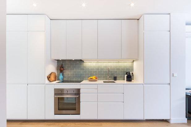 Contemporary Kitchen by Soria Nau Arquitectura