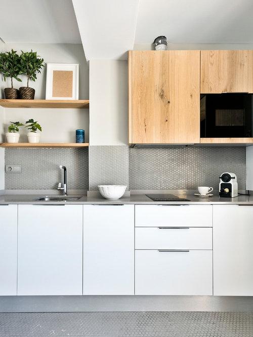 Ideas para cocinas fotos de cocinas de tama o medio con for Cocinas con mosaico