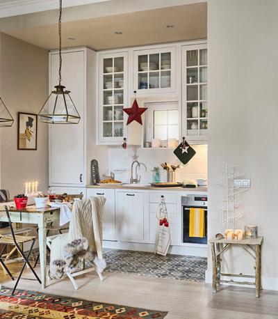 Transitional Kitchen by Carolina Verdugo Svensson