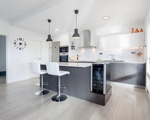 Ideas para cocinas | Fotos de cocinas abiertas con salpicadero blanco