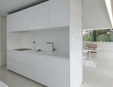 "KRION en la minimalista ""Breeze House"" de Fran Silvestre Arquitectos"