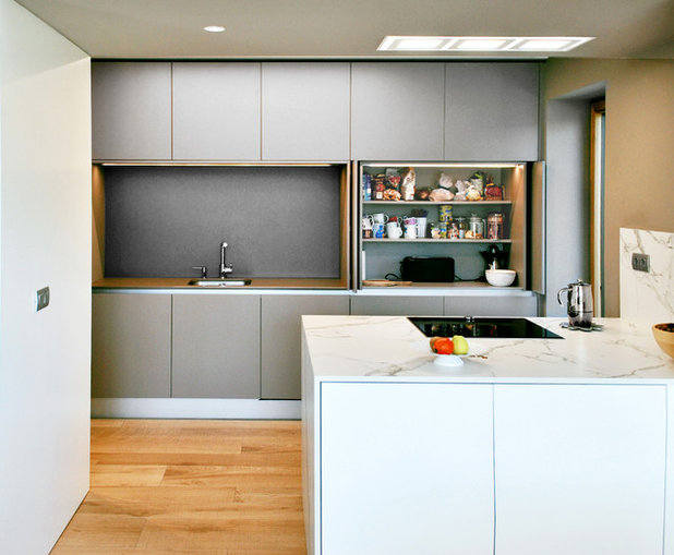 Moderno Cocina by MRB kitchen&design