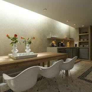 Foto de cocina de microcemento, tradicional renovada, con microcemento