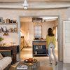 Casas de pueblo: Cómo renovar suelos, paredes y decoración