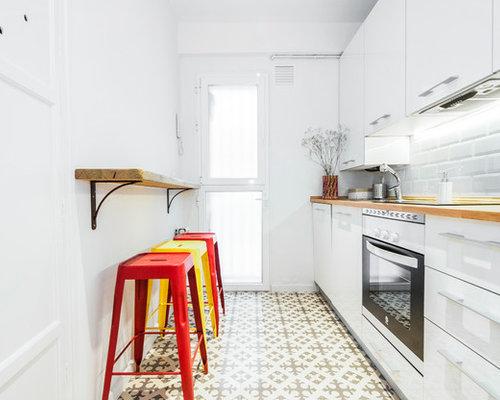 diseo de cocina lineal vintage pequea cerrada sin isla con fregadero