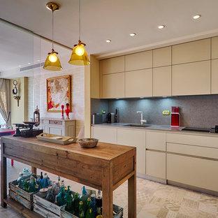 Ispirazione per una cucina eclettica di medie dimensioni