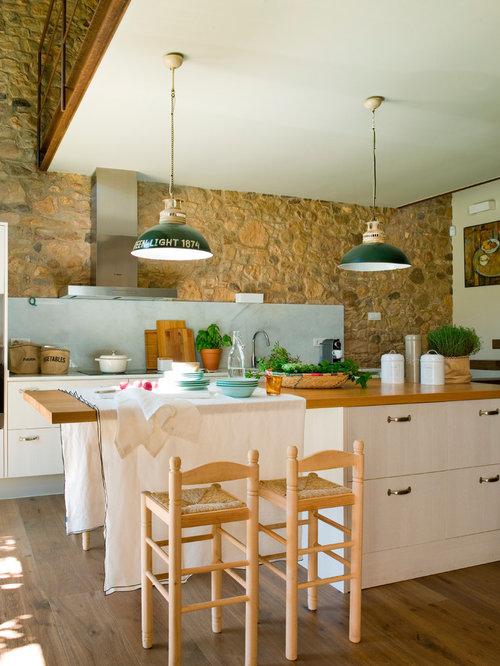 imagen de cocina de galera de estilo de casa de campo de tamao medio