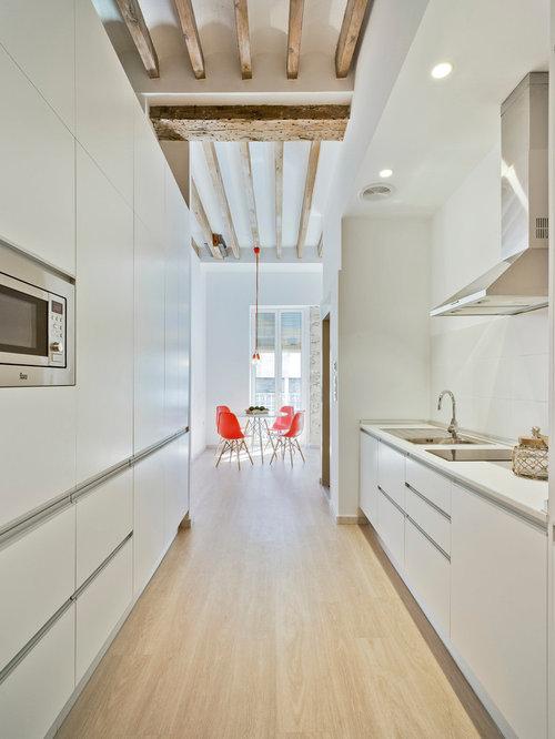 Ideas para cocinas fotos de cocinas peque as for Cocinas blancas con electrodomesticos blancos