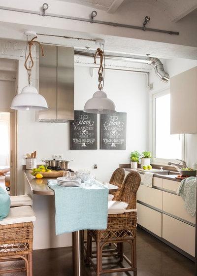 Coastal Kitchen by Coton et bois