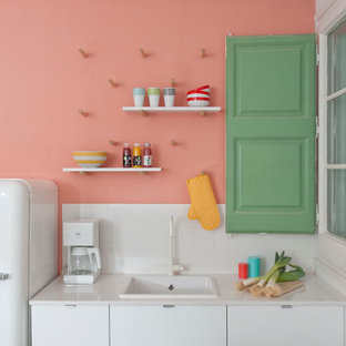 バルセロナのコンテンポラリースタイルのおしゃれなキッチンの写真