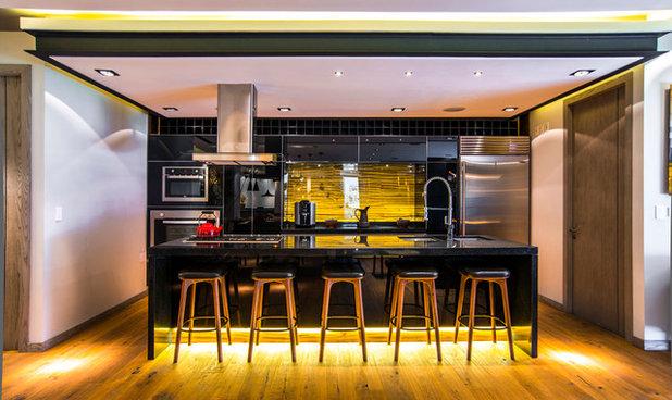 Contemporary Kitchen by Sobrado + Ugalde Arquitectos