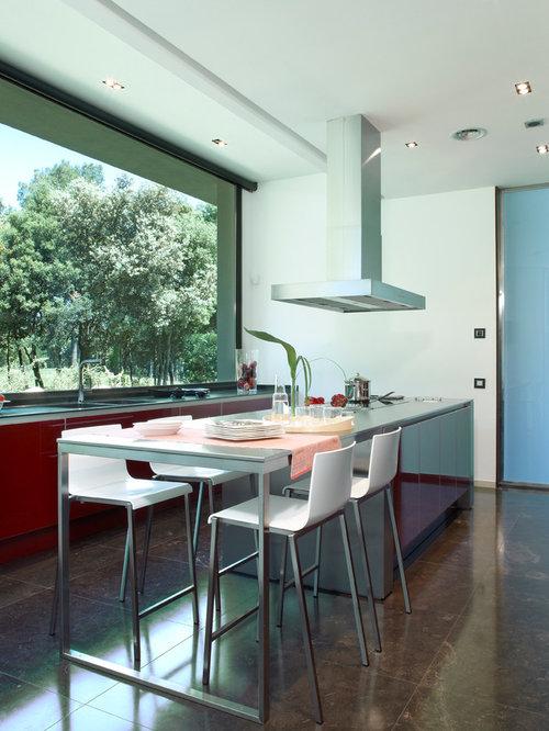Ideas para cocinas | Fotos de cocinas con puertas de armario rojas