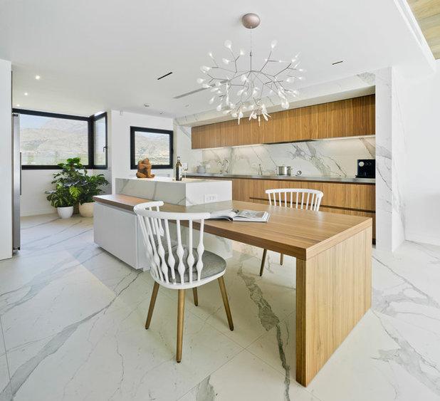 Contemporary Kitchen by Estudio CODE