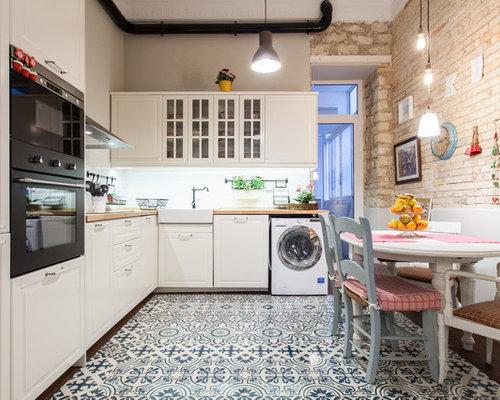 modelo de cocina comedor en l clsica renovada de tamao medio sin isla - Cocinas Clasicas Blancas