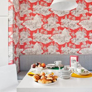 Diseño de comedor de cocina bohemio, de tamaño medio, con paredes rojas