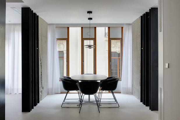 Modern Dining Room by Volta_
