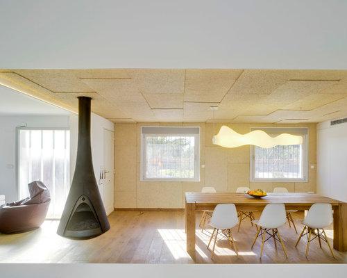 sala da pranzo con camino sospeso e pareti multicolore - foto ... - Arredamento Soggiorno Sospeso 2