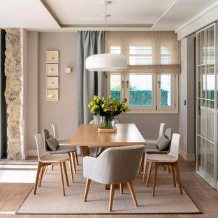 Diseño interior de varios espacios en chalet