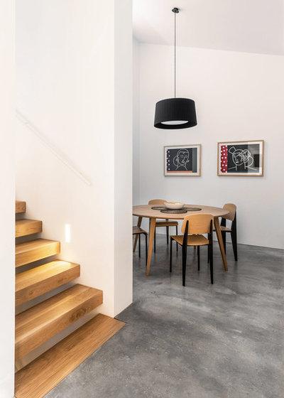 Contemporary Dining Room by La Reina Obrera - Arquitectura e Interiorismo