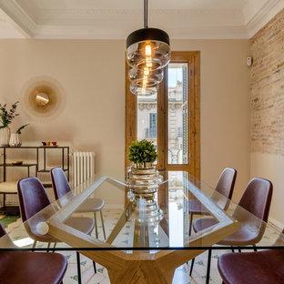 Inspiration pour une grand salle à manger ouverte sur le salon design avec un sol en carrelage de céramique et un sol vert.