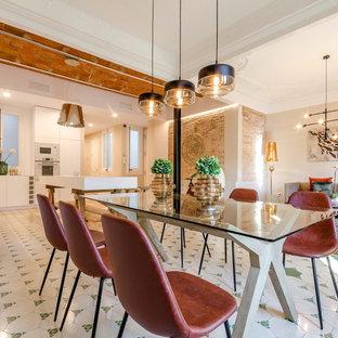 На фото: большая гостиная-столовая в современном стиле с полом из керамической плитки и зеленым полом с