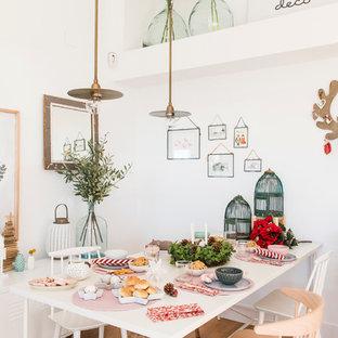 Dining room - scandinavian dining room idea in Madrid