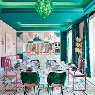 Imagen de comedor de cocina ecléctico, extra grande, con paredes rosas y suelo multicolor