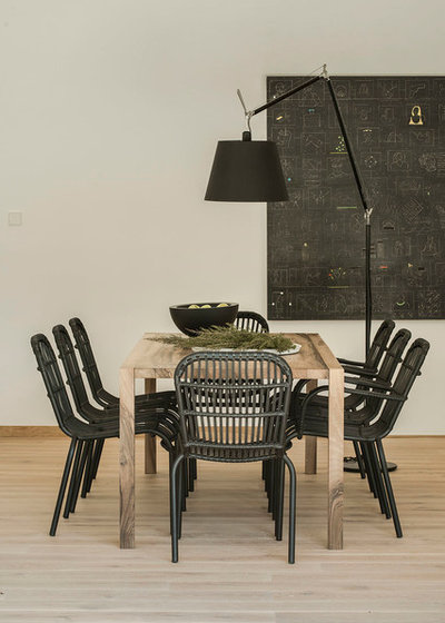 Contemporary Dining Room by Susanna Cots