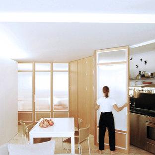 Esempio di una sala da pranzo aperta verso il soggiorno design di medie dimensioni con pareti bianche, pavimento in marmo, nessun camino e pavimento rosa