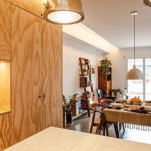This is an example of a scandinavian dining room in Barcelona.