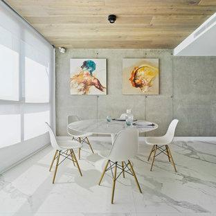 Diseño de comedor actual, de tamaño medio, abierto, con paredes grises, suelo de mármol y suelo blanco