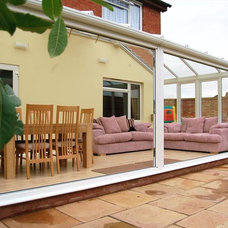 Traditional Sunroom by The Cambridge Conservatory Centre Ltd