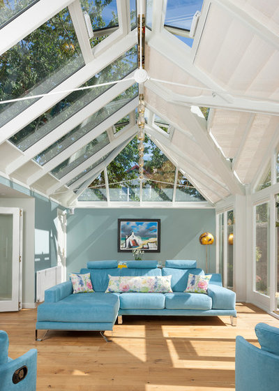 Transitional Conservatory by Mozolowski & Murray